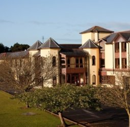 Gold Coast Golf Hotel
